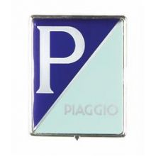 "Monogramme / insigne de descente de klaxon ""P / PIAGGIO"", plastic à agrafes, 3,5x4,5 cm - Vespa LX, LXV, S, Primavera , Sprint,"